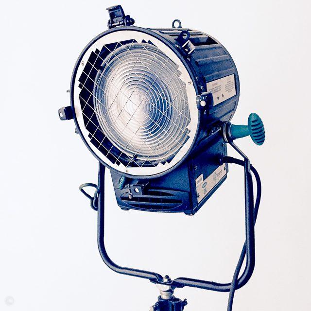 2 Fresnel lights